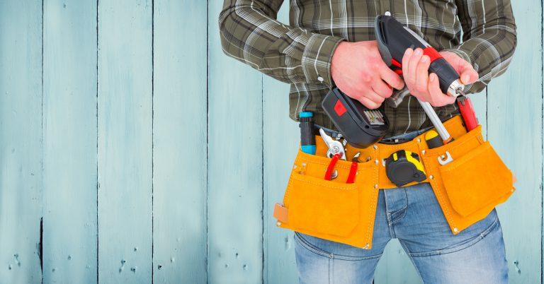 tool theft man ith tool belt